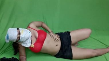 Horny Big Ass Riya Bhabi Solo Masturbation Fingering Pussy During Lock Down