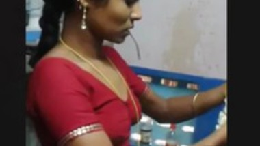 Tamil Beauty Wearing Saree