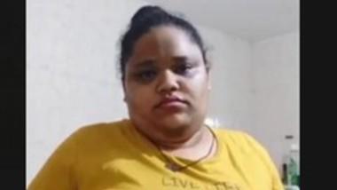 Chubby Indian Bhabi Bathing (Update)