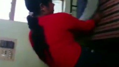 Desi girl fucking with bf on his residence