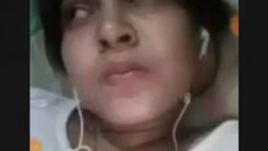 Beautiful Desi Girl Showing On Video Call