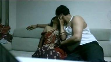 To make XXX chick spread legs Desi boy pays Bhabhi for XXX pussy-drilling