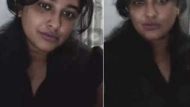 Married Desi bitch gladdens lover sending to him solo porn video