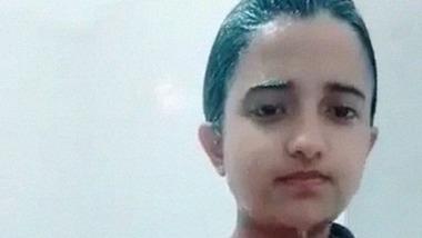 Leaked bathing video of cute BD teenage girl
