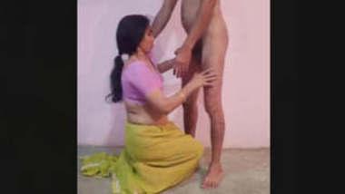 Sexy Bhabi Sucking Dick
