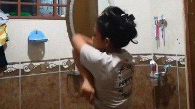 Tamil girl nude Bathroom solo video