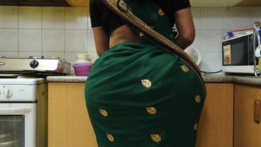 Desi Bhabhi's BIG butt