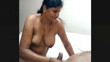 Indian Bihari Randi Bhabhi handjob