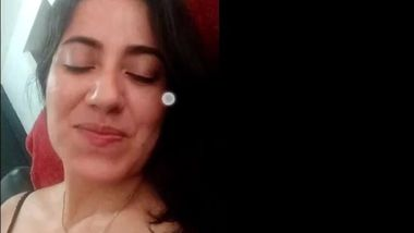 Good-humored Desi XXX mom teases with her amazing breasts online