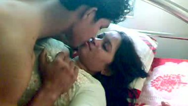 Punjabi home sex scandal of mature bhabhi fucked by servant leaked mms