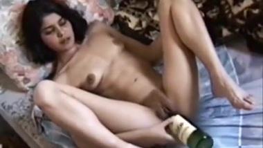 damn sanjana have some big ole titties damn you...