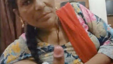 Desi mature Bhabhi Blowjob and Fucked Part 1