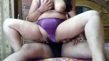 Chubby MILF Fucking with Hubby and Broadcasting on Cam